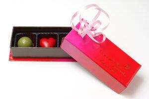 お菓子・チョコレートを入れる貼り箱制作事例