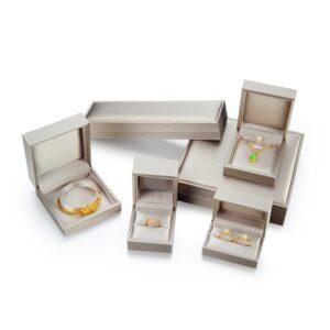 指輪やブレスレット、イヤリング等を入れる化粧箱制作事例